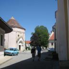 Karner und Kirche