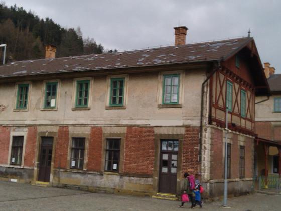 Bahnhof Wildenschwert