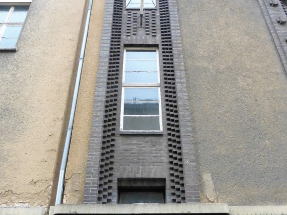 Adam-Kuckhoff-Straße 17b 4 alt