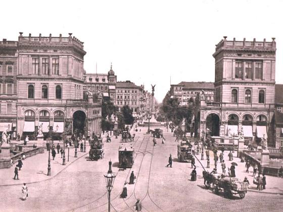 Mehringplatz 07