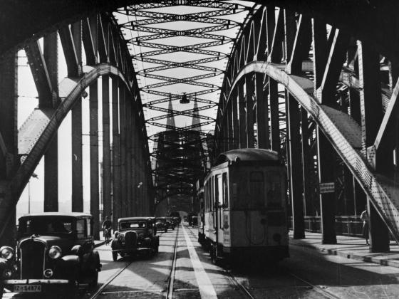 Verkehr_auf_Südbrücke