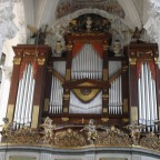 Orgel der Klosterkirche Neuzelle ( Prospekt 1806 Nerse, Werk 1906 Sauer )