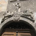 """Portalbekrönung. Inschrift: """"CHVL 1599"""""""