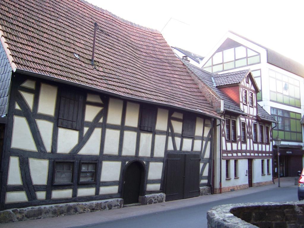 An der Stadtkirche (3)