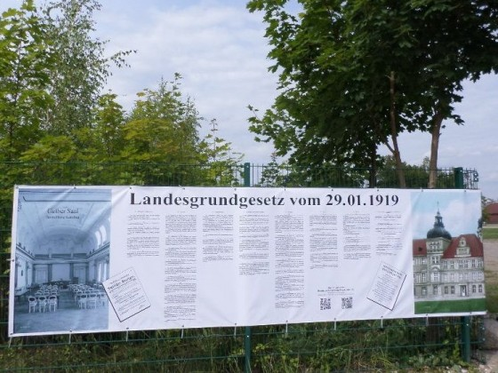 Landesgrundgesetz Freistaat-Mecklenburg-Strelitz Banner Residenzschlossverein 2017
