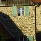 Mauer mit aufgesetztem Dach von Nr. 23