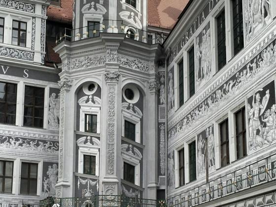 Nordostturm großer Schlosshof