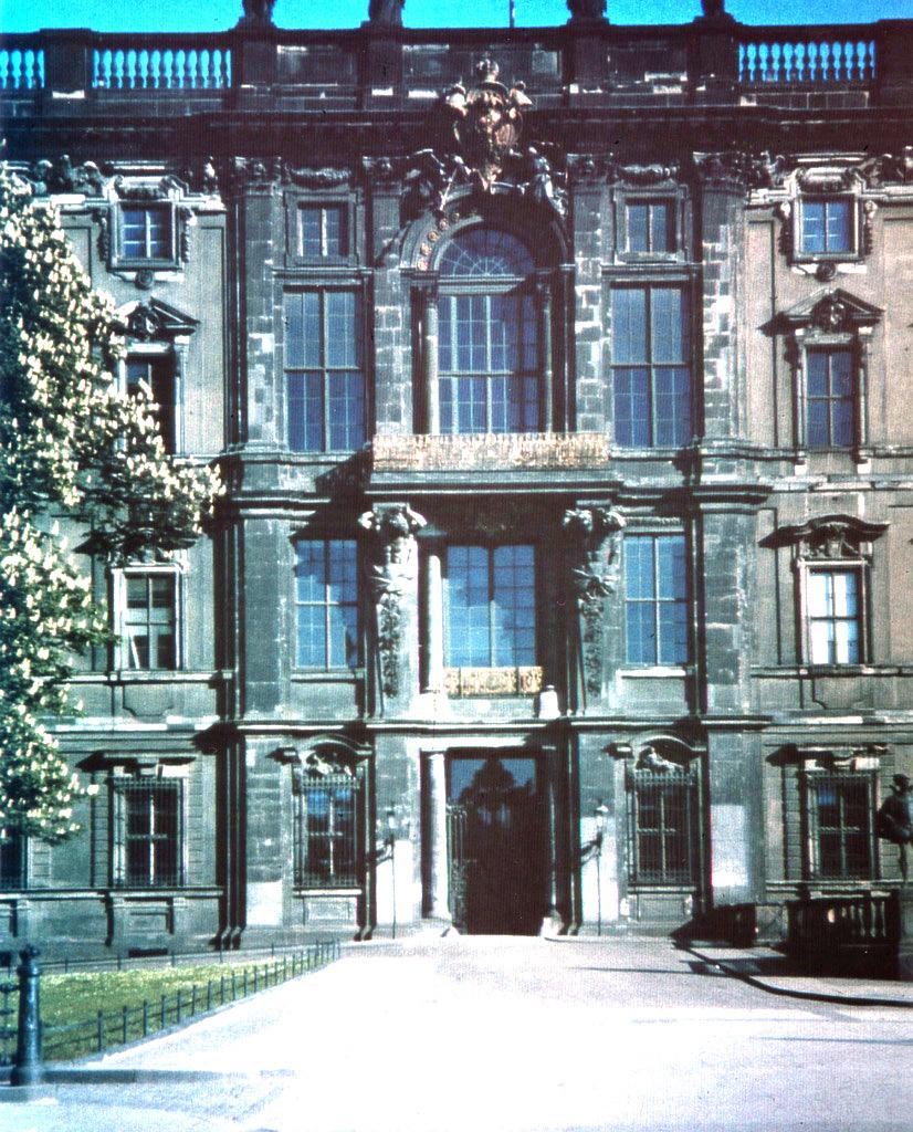 Schloß  1930s (2)