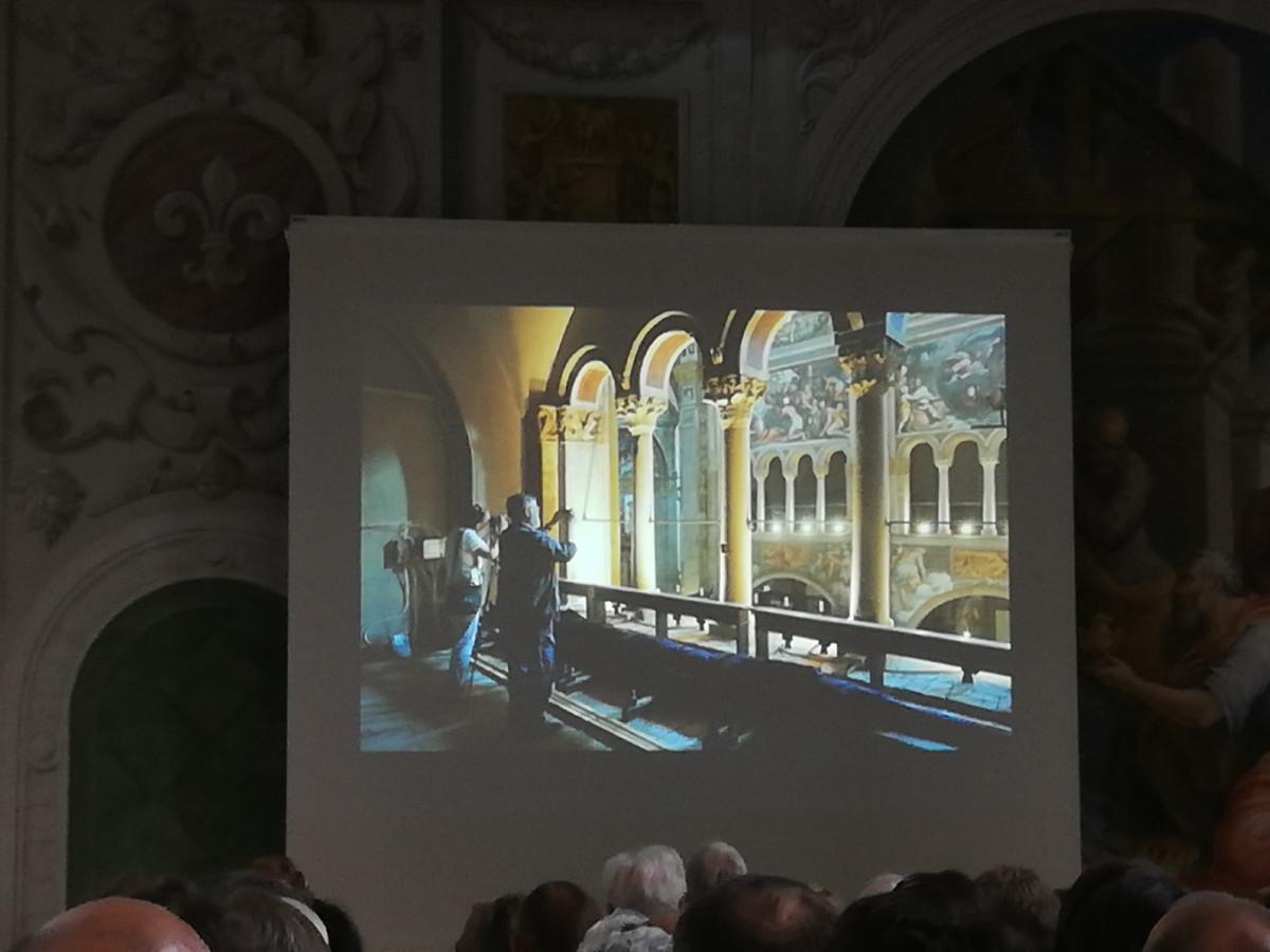 Atan im Schlosshof