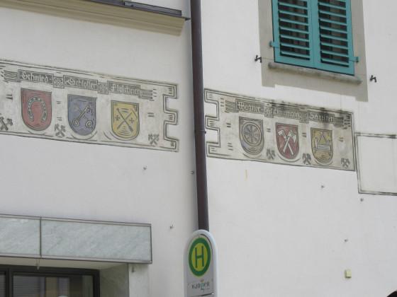 Wappen an der Rochusapotheke am 6. Sept. 2016