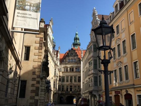 Schloßstraße 2