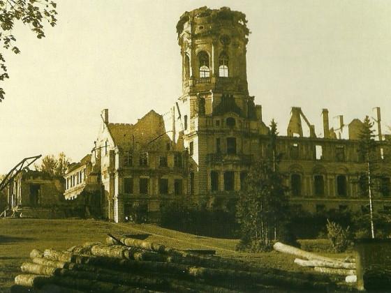 Ruine Schloss Neustrelitz 1947