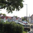Blick über den Parkplatz am Großen Teich
