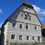 Vorderer Spitzenberg 7 : ein stattliches Haus, wahrscheinlich eines der Stiftsherrenhäuser
