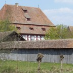 """Rückfront Gasthaus """"Zur Krone"""" aus Oberampfrach bei Feuchtwangen (vorne dazugehörige Kegelbahn)"""