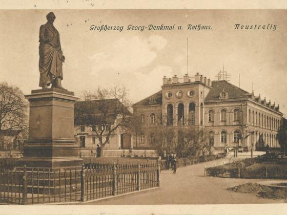 Neustrelitz Marktplatz Postkarte 1912 Denkmal Georg von Mecklenburg-Strelitz