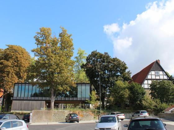 Denkmalgeschützte Stadtbibliothek aus den 1960er Jahren