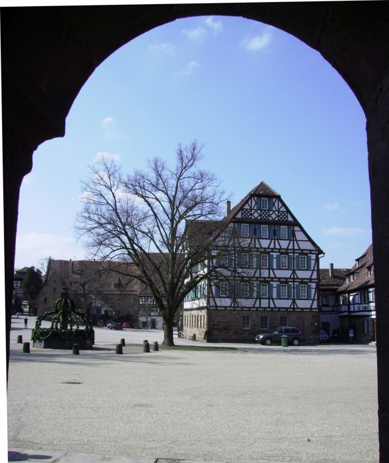 Klosterhof Maulbronn gerahmt