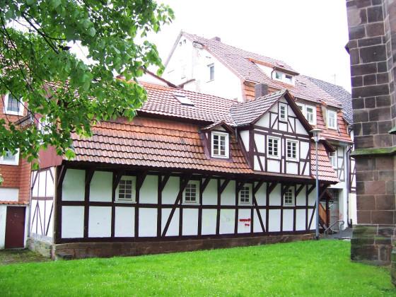 Am Kirchplatz (2)