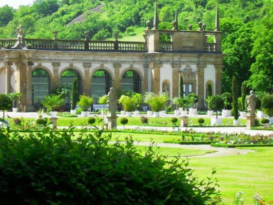 Weikersheim: Schlosspark mit Orangerie