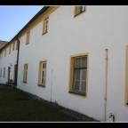 15 Nebengebäude