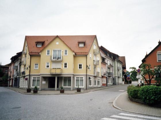 Nachfolgebebauung Gasthaus Löwen Grabenstraße/ Ecke Nollenstraße Gengenbach Mai 2003 (analog)