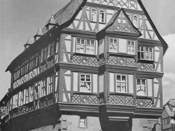 """Miltenberg Hauptstrasse 97, """"Gasthaus zum Riesen"""""""