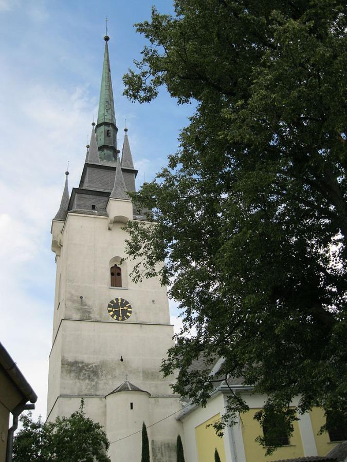 8379-768px-kostel-sv-vav%C5%99ince-chornice-jpg